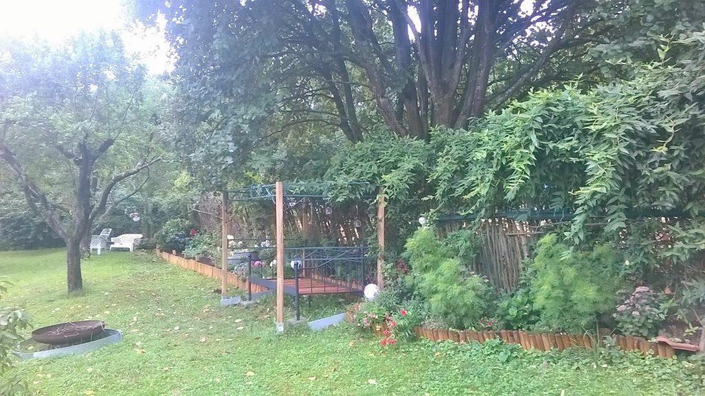 Das Gartenbett im Pachtgarten als Vorreiter für das Gartenbett im jetzigen Romantikgarten