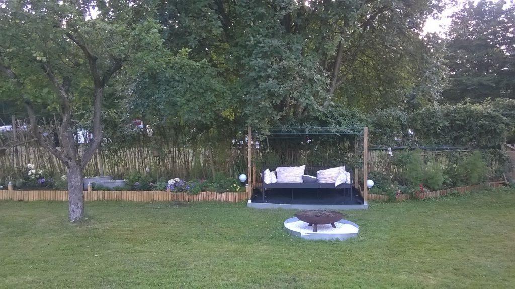 Das Gartenbett als Teil des Staudenbeetes