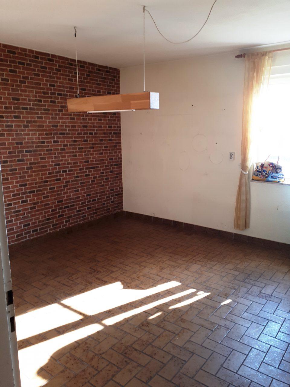 Die Küche im Erdgeschoss vor der Sanierung