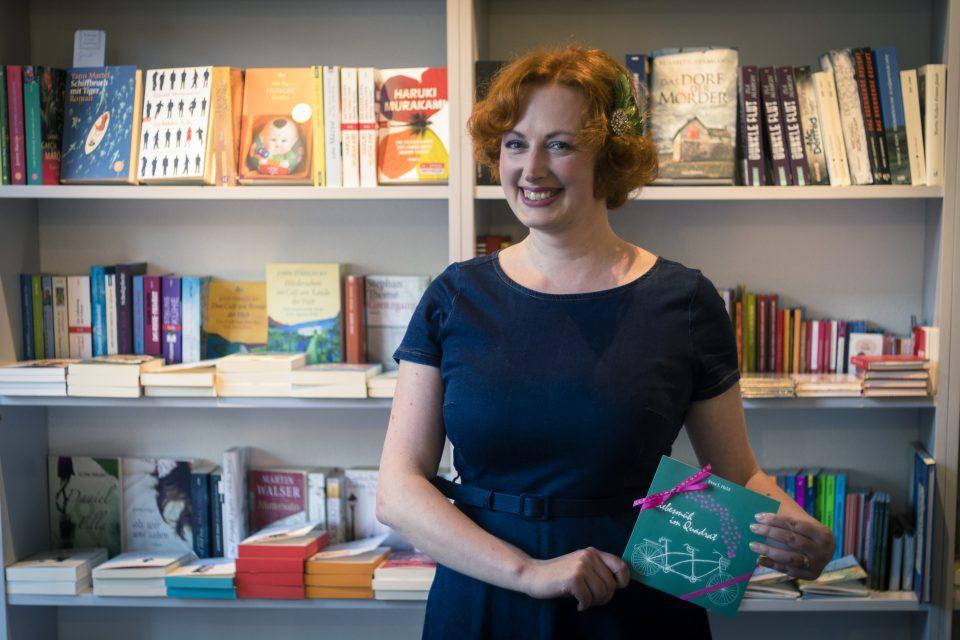Ein Buchtipp für Liebende - die gesammelten Kolumnen und Essays der Kasseler Autorin Svea J. Held vermitteln viel Sinn für Alltagsromantik.