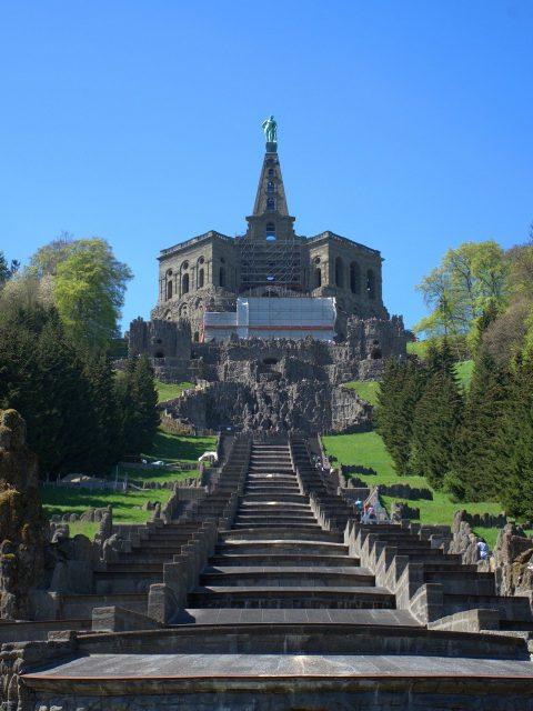 Der Nordhesse überzeugt durch eher spröden Charme. Die nordhessische Großstadt Kassel wird vom Wahrzeichen Herkules überwacht.