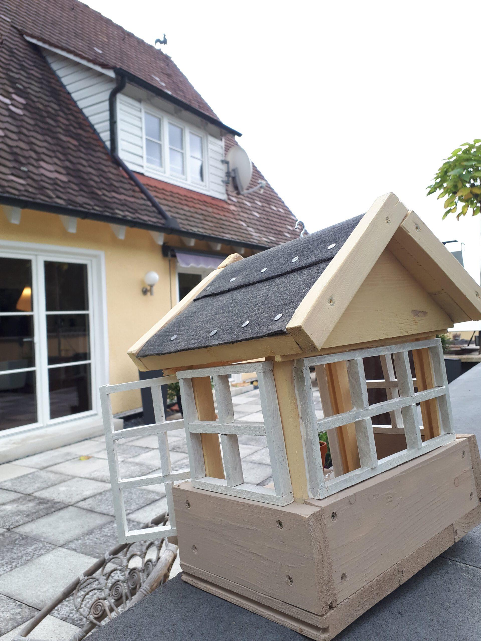 Das Vogelhaus in Anlehnung an unser 50er Jahre Haus.